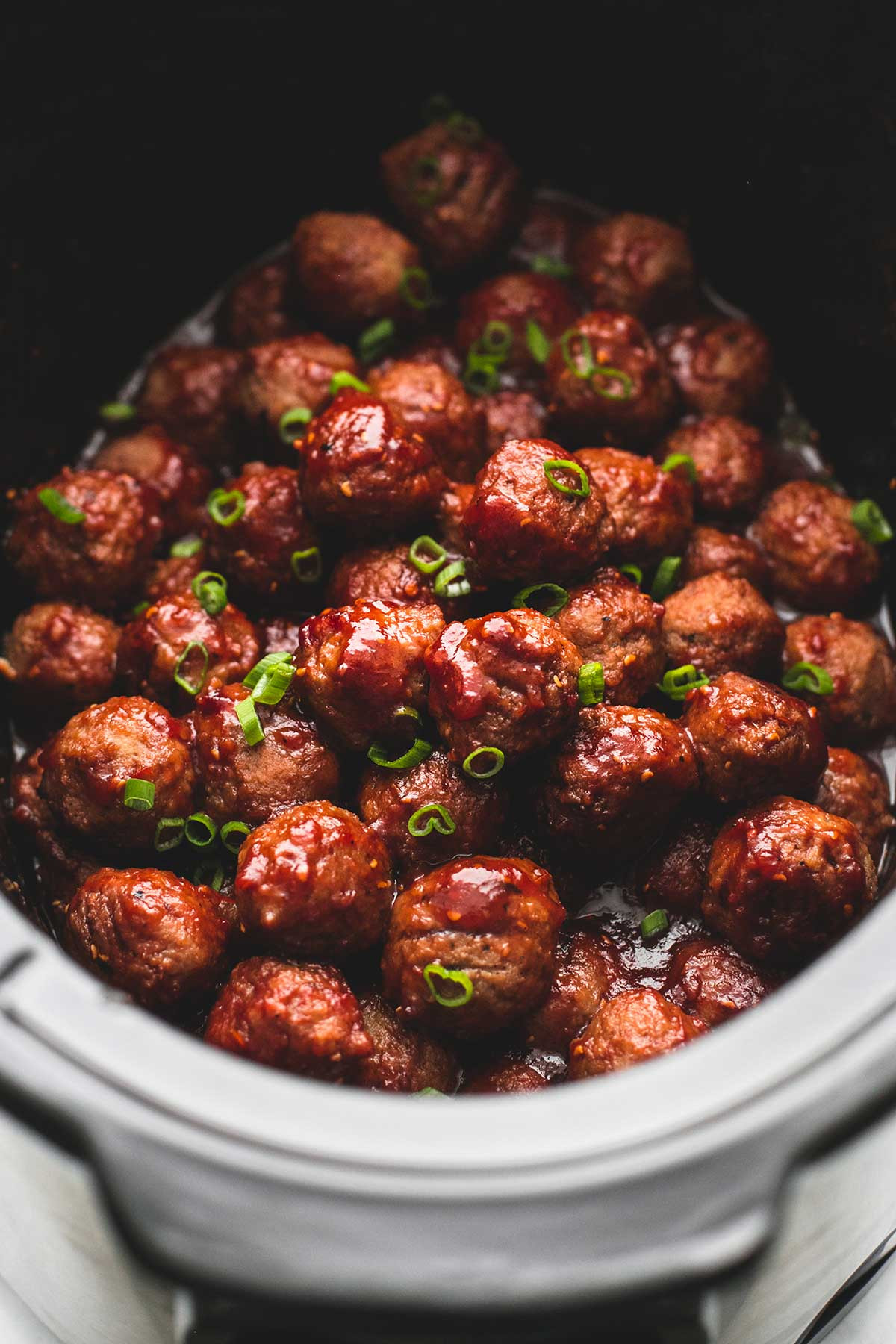 14 Easy Slow Cooker Appetizers  3 Ingre nt Slow Cooker Sweet n Spicy Party Meatballs