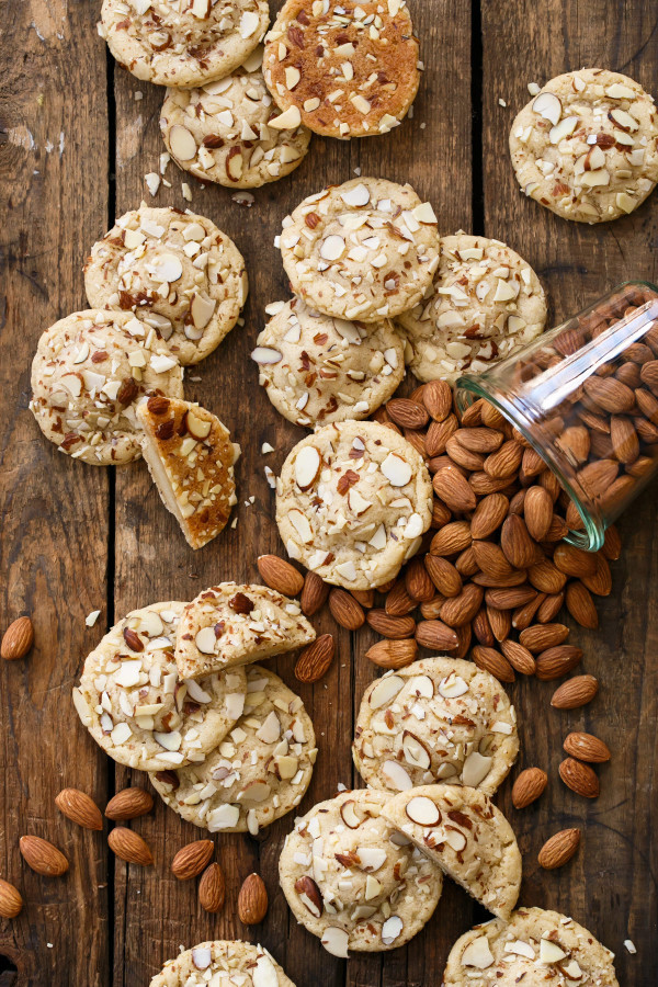 Almond Sugar Cookies  soft almond sugar cookies