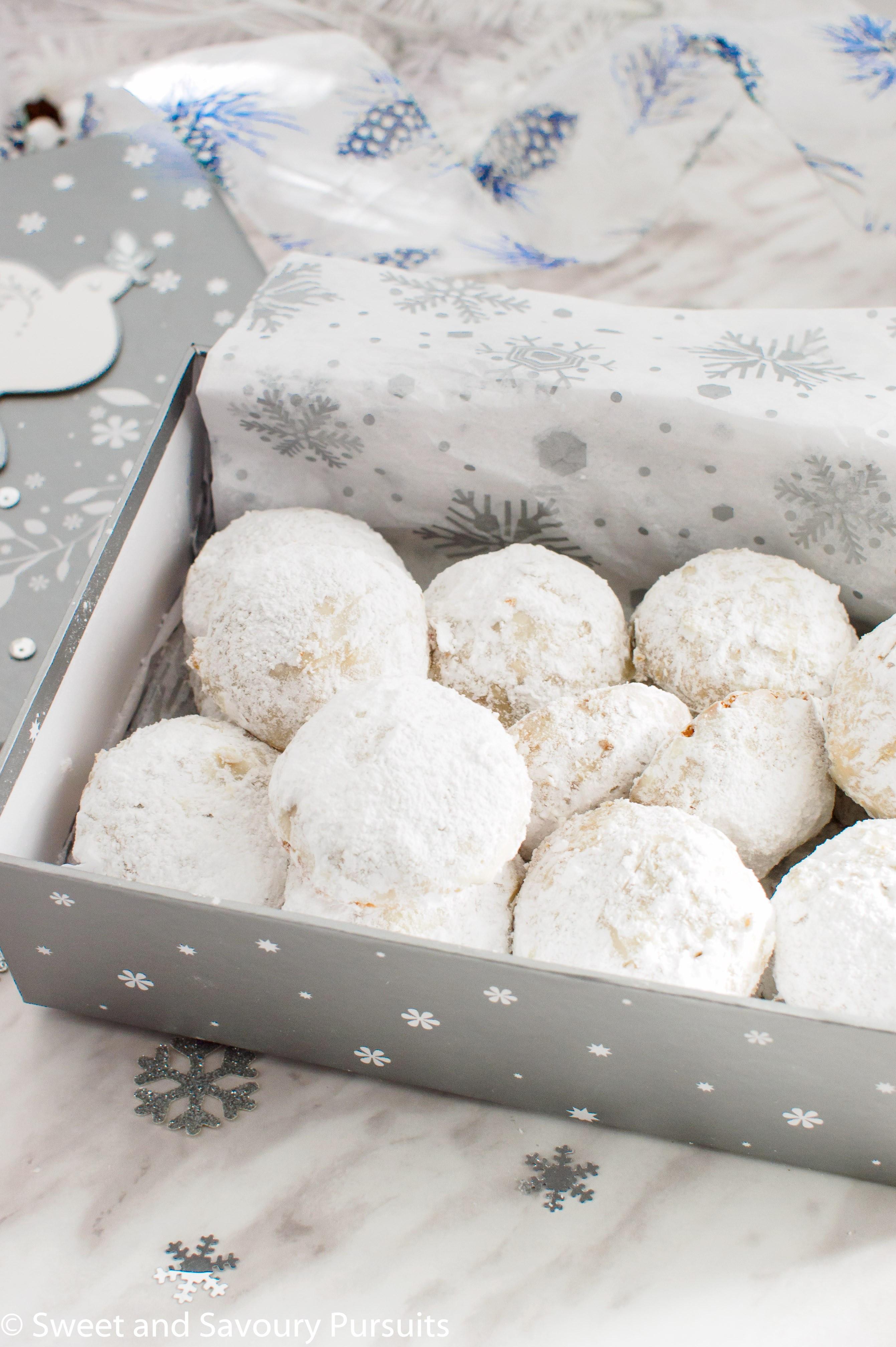 Almond Sugar Cookies  Powdered Sugar Almond Cookies – Sweet and Savoury Pursuits