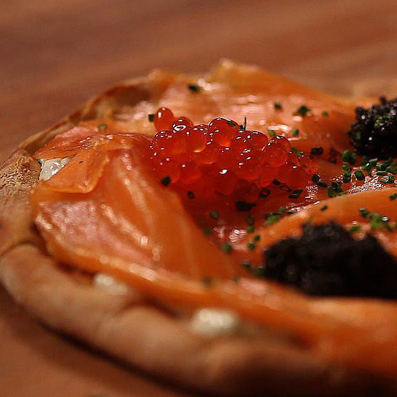 Alton Brown Smoked Salmon  Wolfgang Puck's Smoked Salmon Pizza