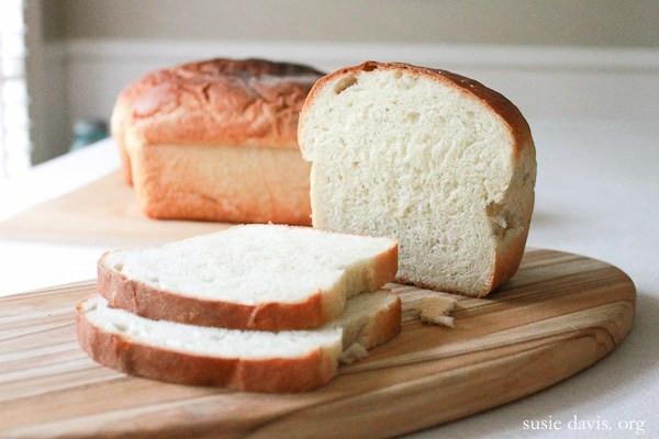 Amish White Bread  Amish White Bread Recipe — Susie Davis