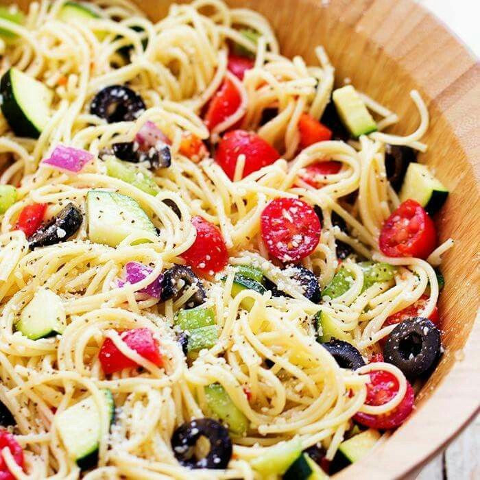 Angel Hair Pasta Salad  Meer dan 100 Caprese Pasta Salad op Pinterest Salade