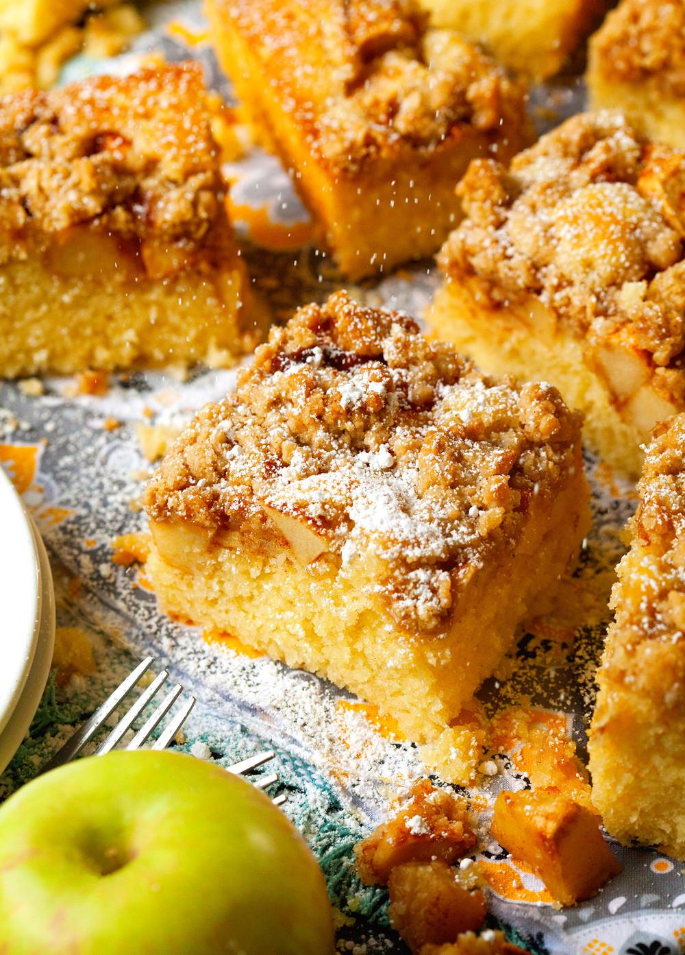 Apple Crisp With Cake Mix  Apple Crisp Cake