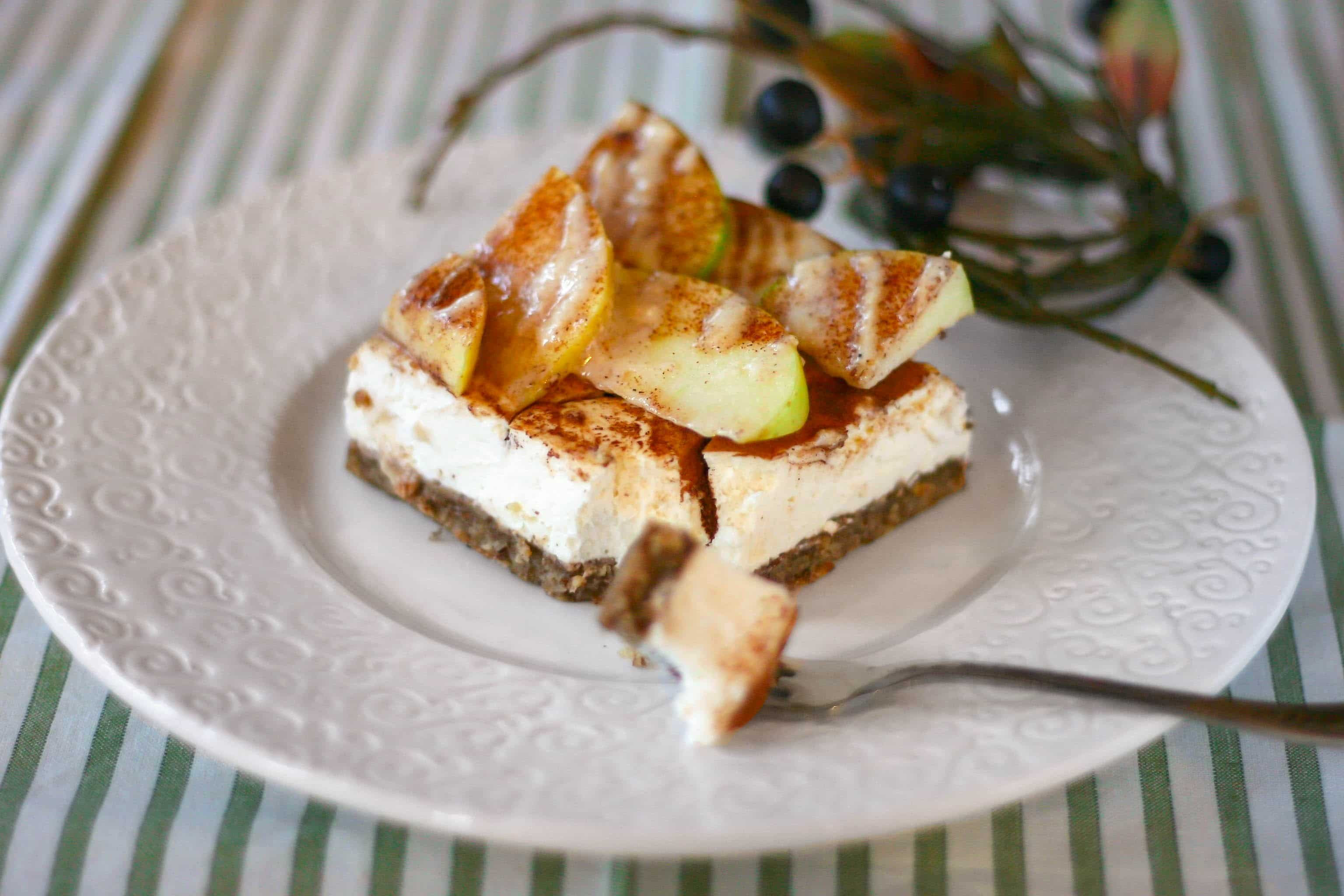 Apple Pie Cheesecake  Healthy Apple Pie Cheesecake Bars low sugar gluten free