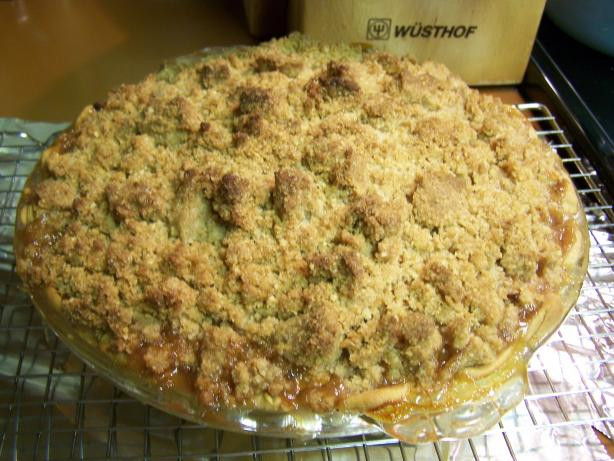 Apple Pie With Crumble Topping  Apple Pie With Oatmeal Crumble Topping Recipe Food