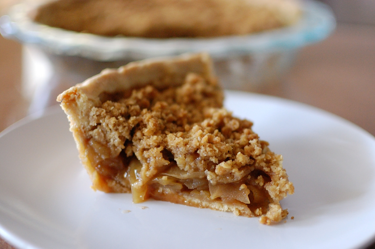Apple Pie With Crumble Topping  easy apple pie crumble