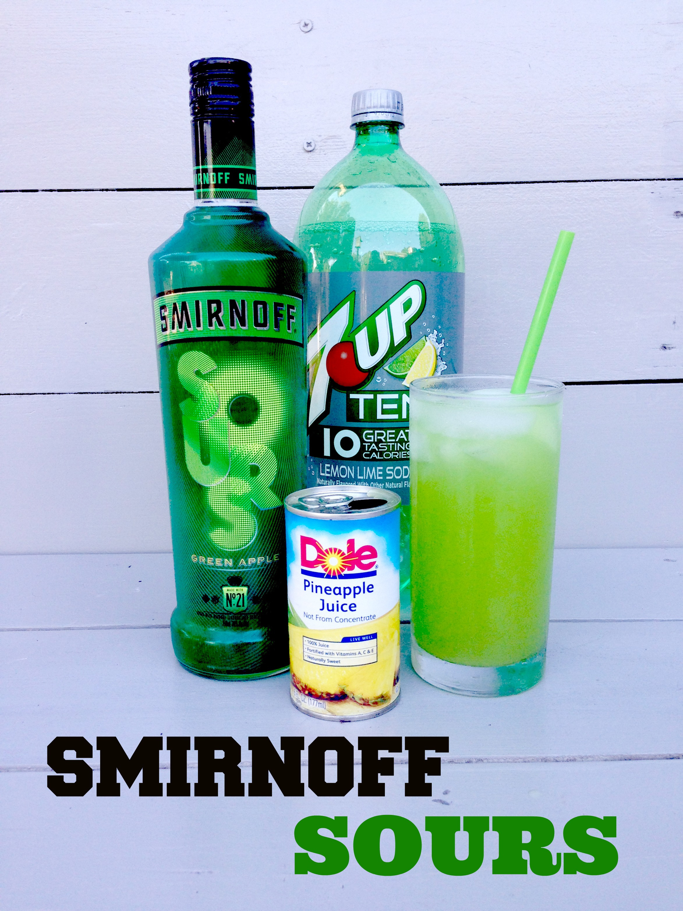 Apple Vodka Drinks  Smirnoff Sours Green Apple Vodka Recipes