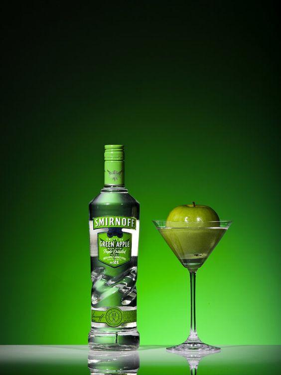 Apple Vodka Drinks  Green Apple Vodka and Club Soda wow good drink Cheers