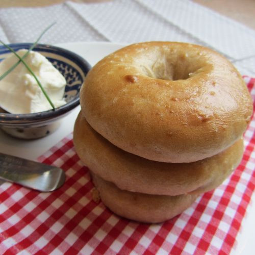 Are Bagels Vegan  1000 images about Vegan Bread Bagels & English Muffins