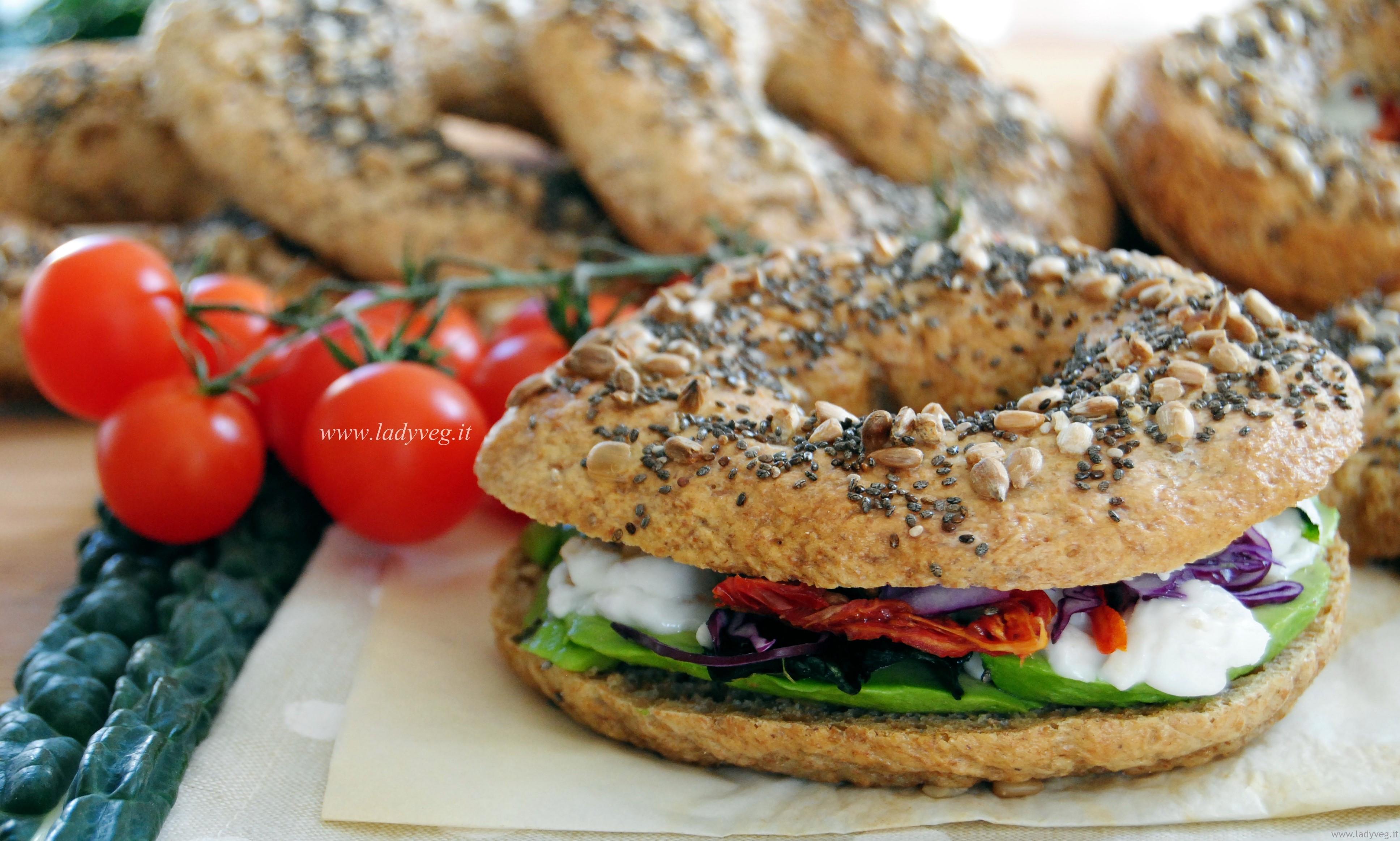 Are Bagels Vegan  Bagels vegani integrali Whole wheat vegan bagels LadyVeg