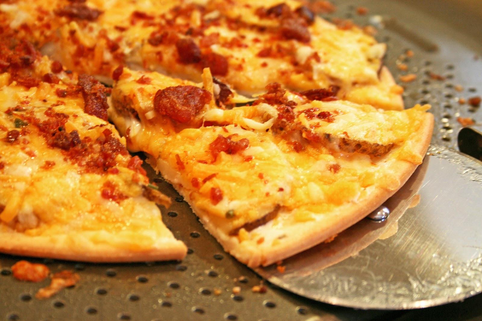 Baked Potato Pizza  Loaded Baked Potato Pizza