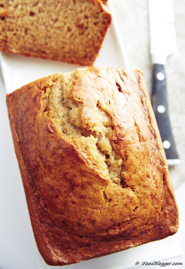 Banana Bread With Sour Cream  Super Moist Sour Cream Banana Bread i FOOD Blogger