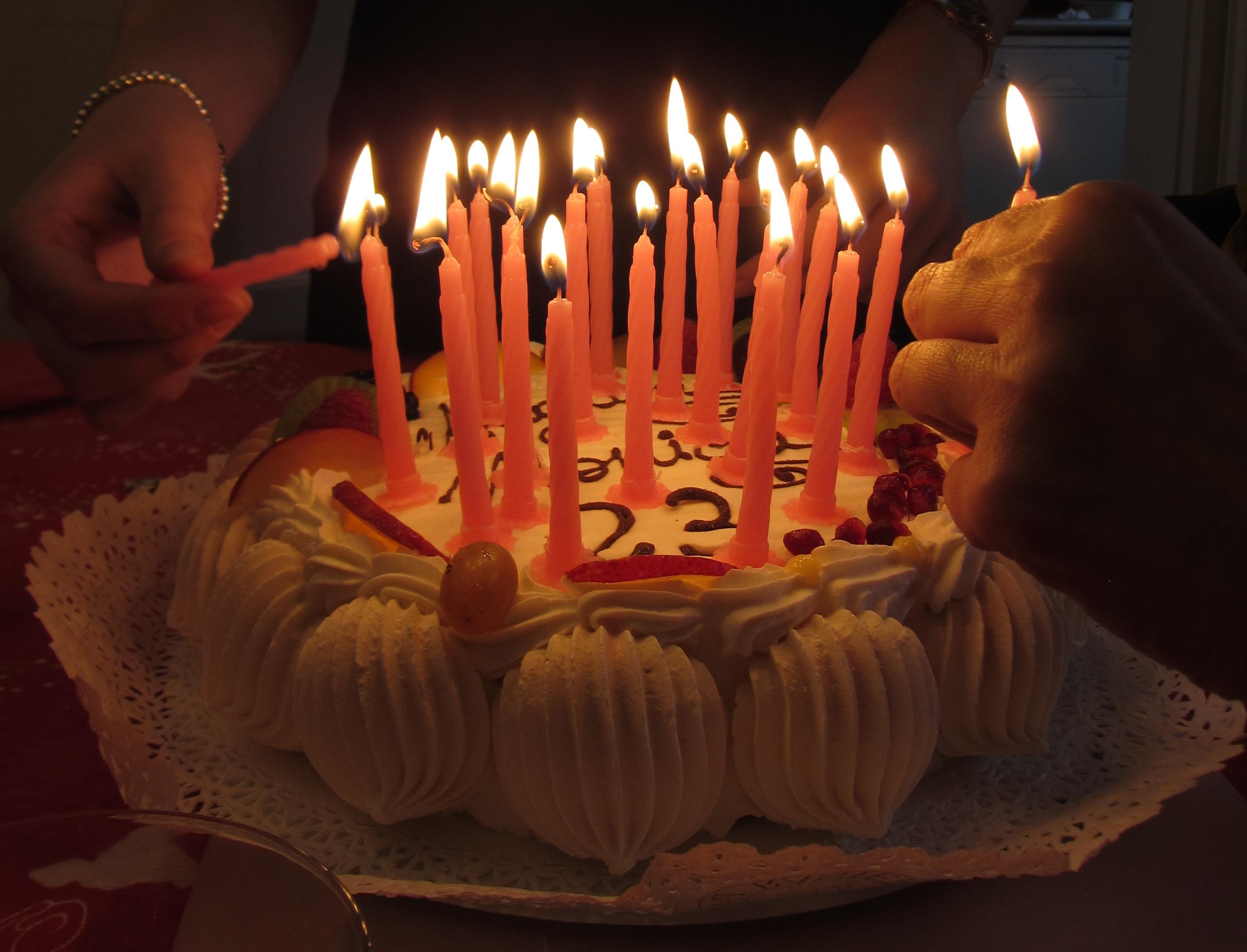 Birthday Cake Candles  Feliz cumple redblak monster y luthienyberen Taringa