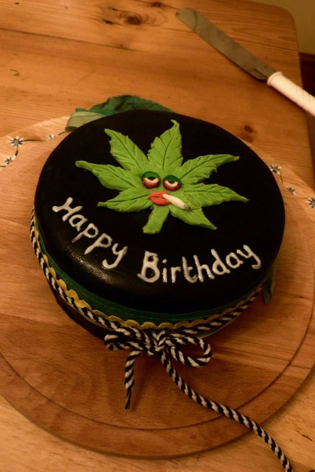 Birthday Cake Weed  Cannabis cake It s a stoner thing 420