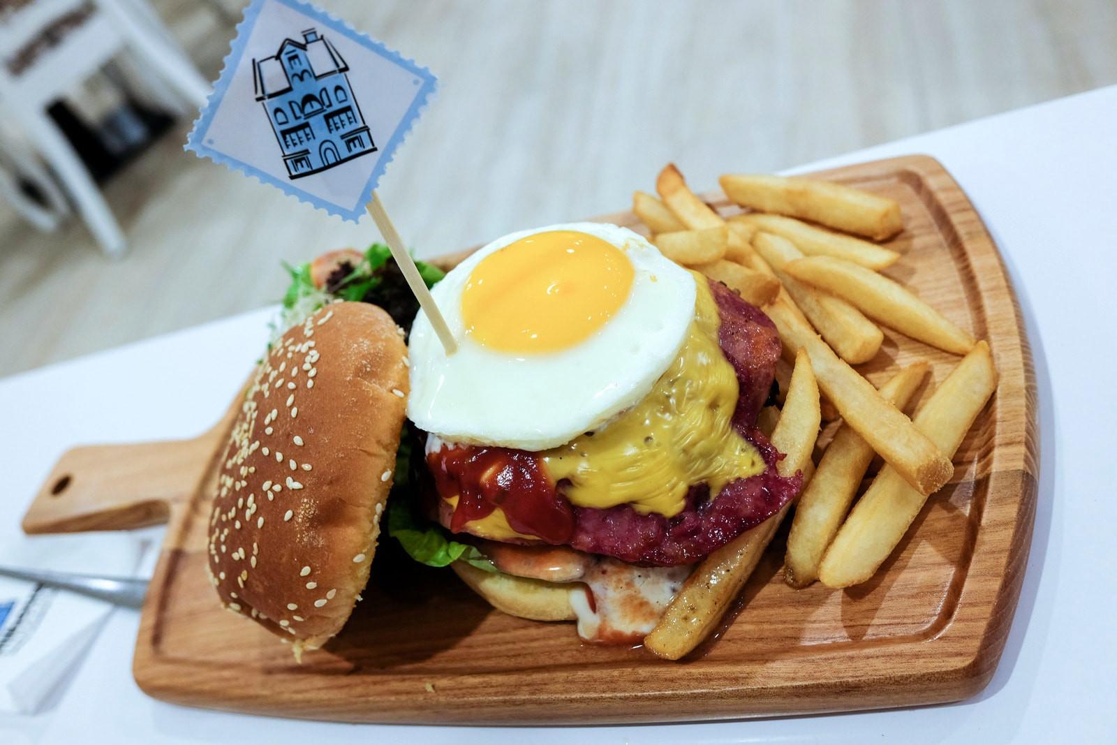 Bistro Dessert Crossword  Fullhouse at Sunway Pyramid Restaurant review EatDrink