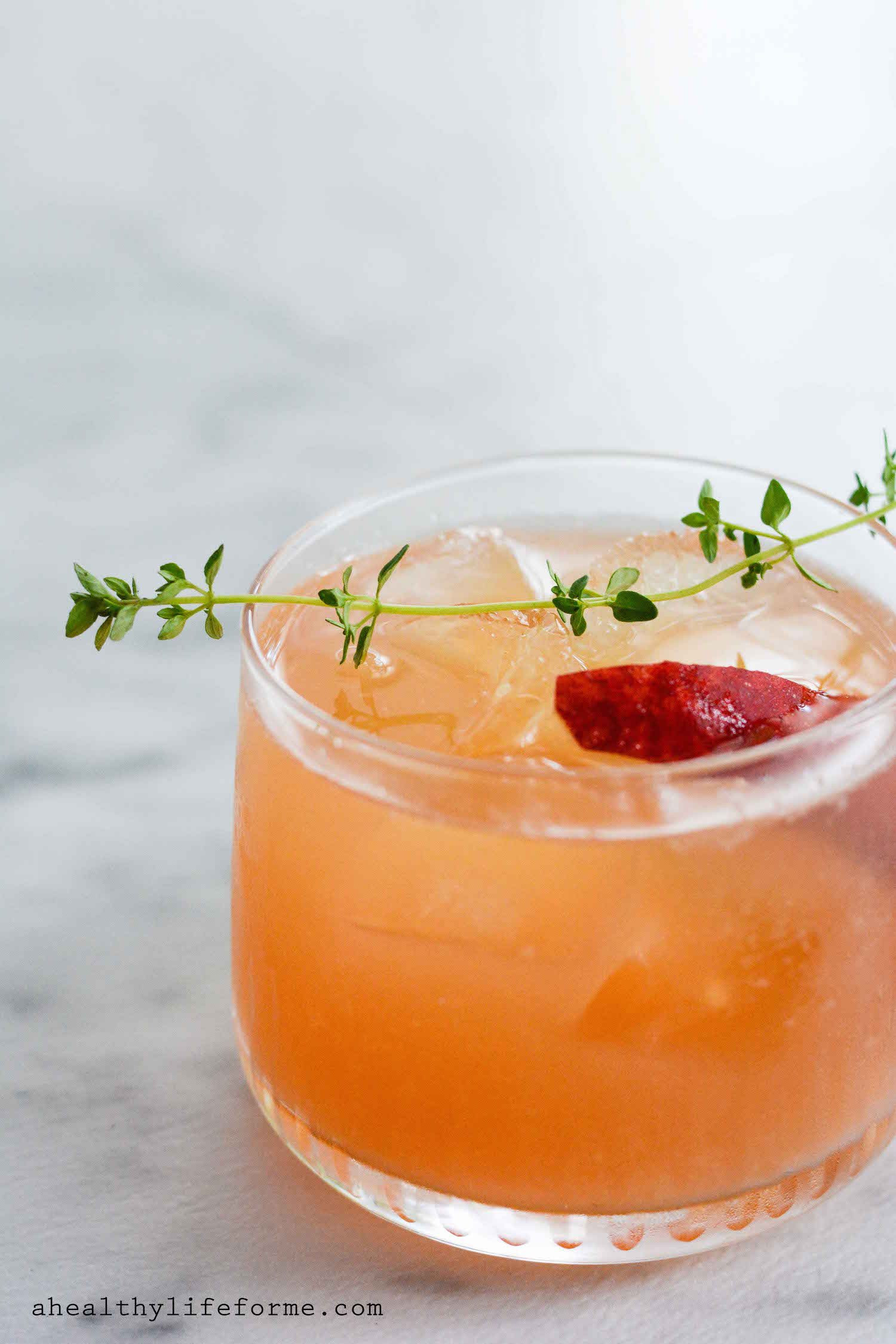 Bourbon Mixed Drinks  Peach Bourbon Thyme Smash A Healthy Life For Me