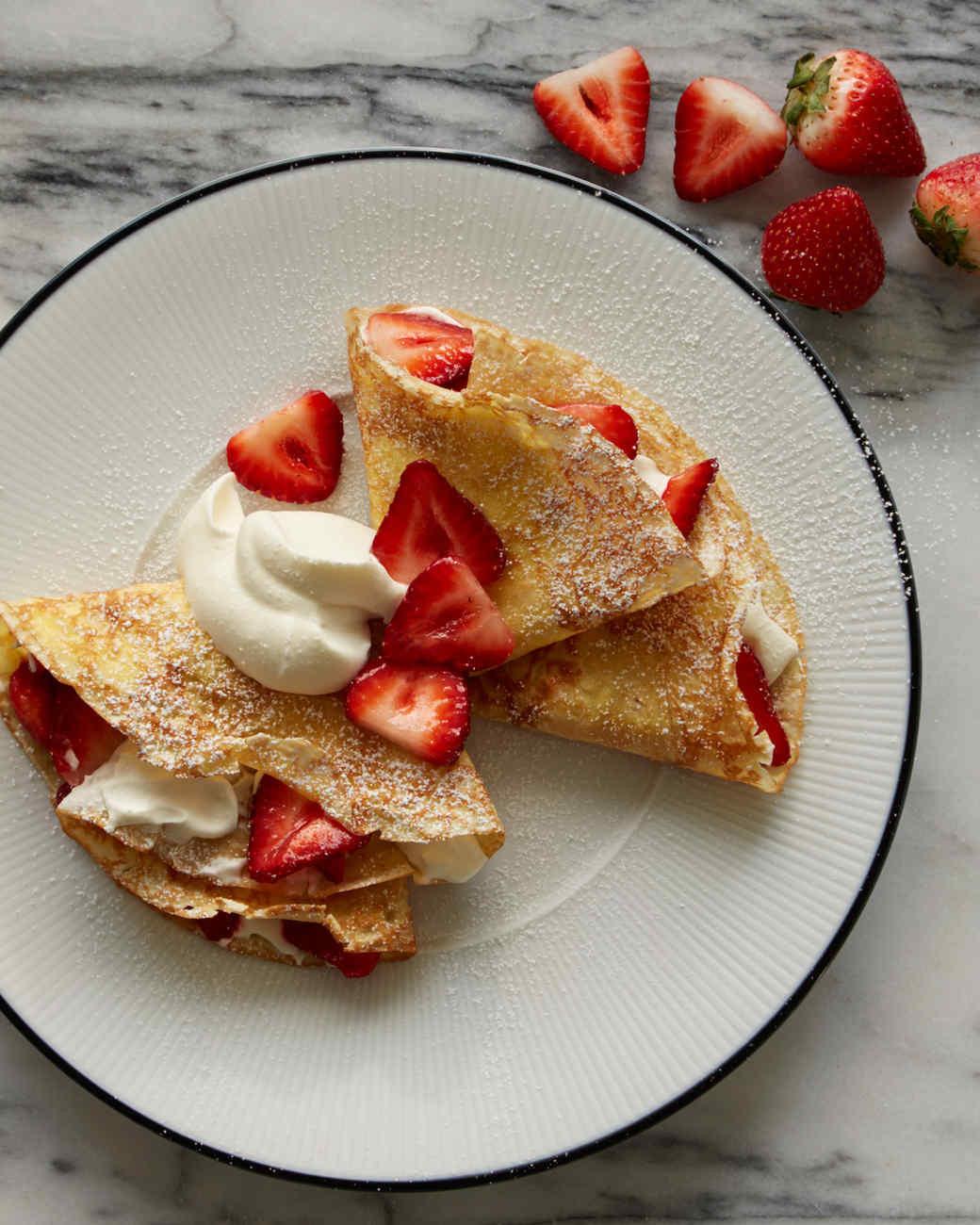 Breakfast Crepe Recipe  creamy strawberry crepes