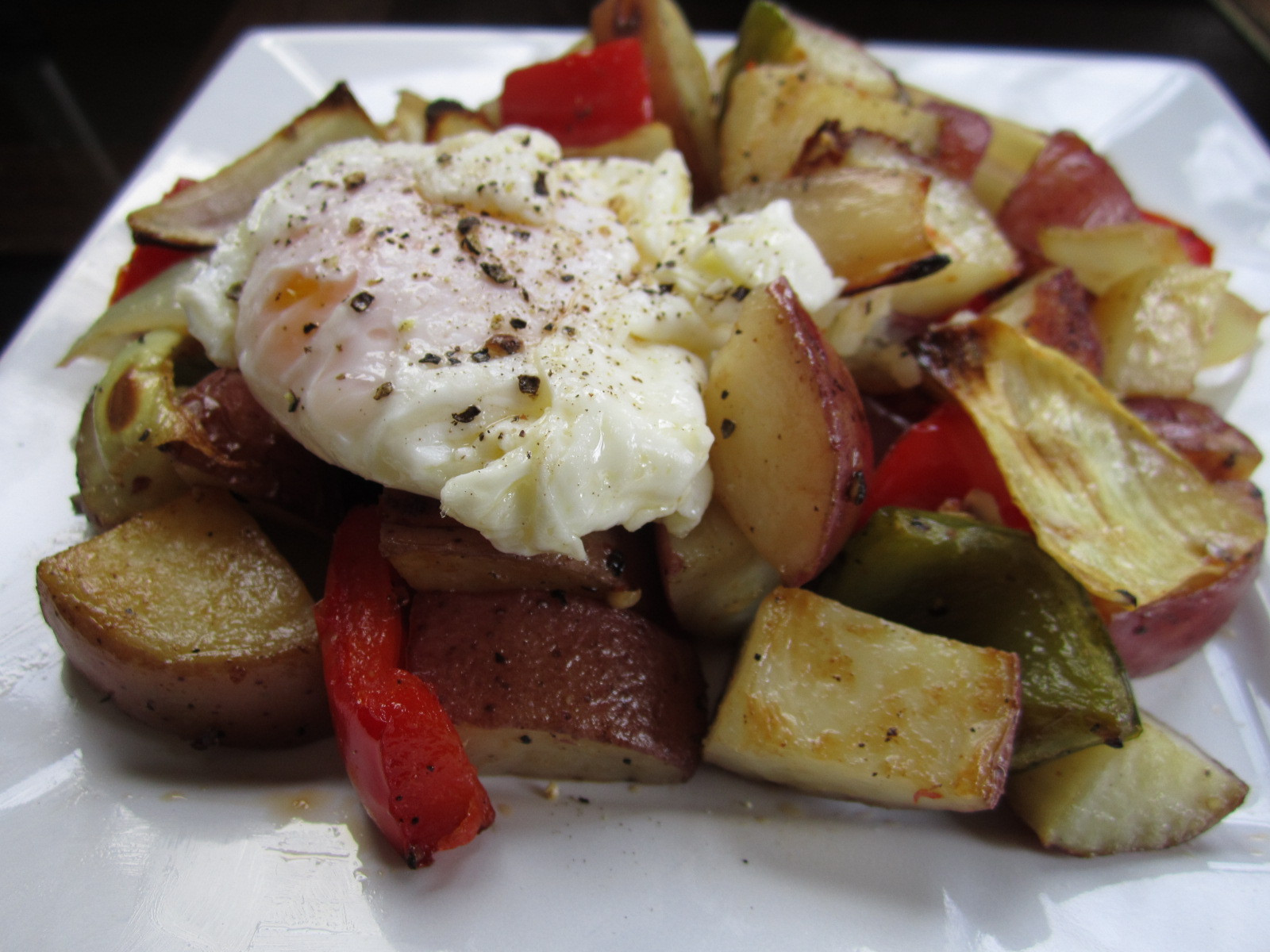 Breakfast Red Potatoes  Red Potato and Pepper Breakfast Potatoes