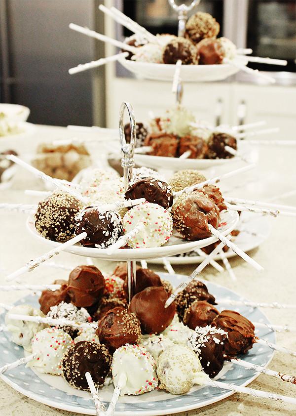 Cake Pops Recipe Easy  Easy Cake Pops Recipe The Easy Peasiest Lela London