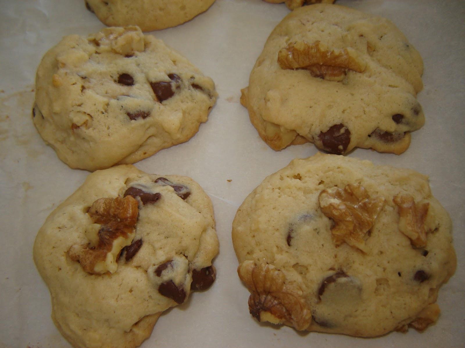 Cakey Chocolate Chip Cookies  eatamarthacupcake Cakey Chocolate Chip Cookie