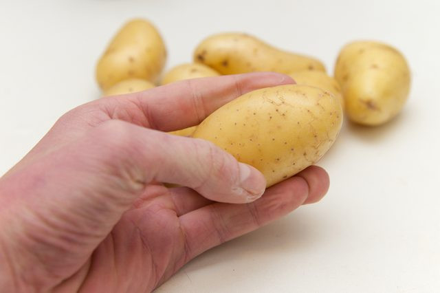 Calories In Medium Potato  How to Cook Baby Potatoes in the Microwave
