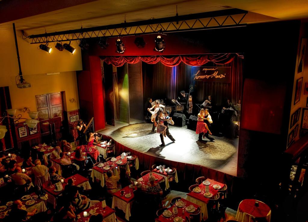 Capone'S Dinner And Show  Le Tango de le Muerte