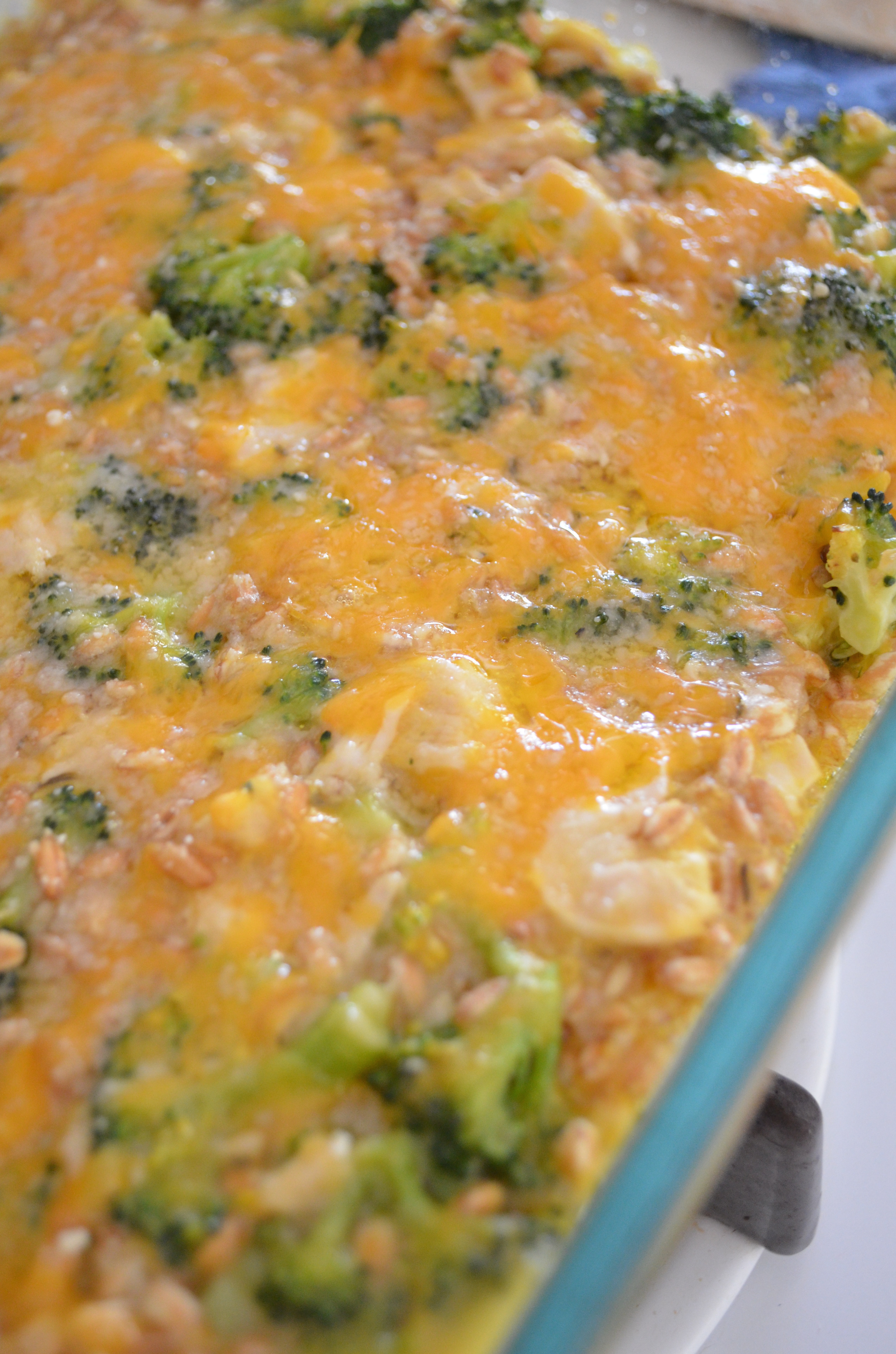 Cheesy Chicken Broccoli Bake  Cheesy Farro Chicken and Broccoli Casserole