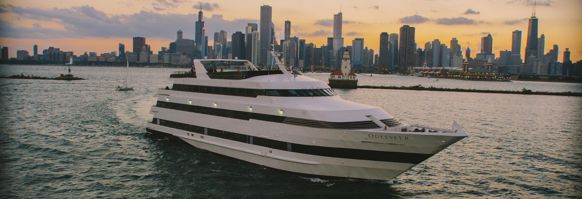 Chicago Dinner Cruise  Top 10 Things To Do In Chicago With Out of Town Guests