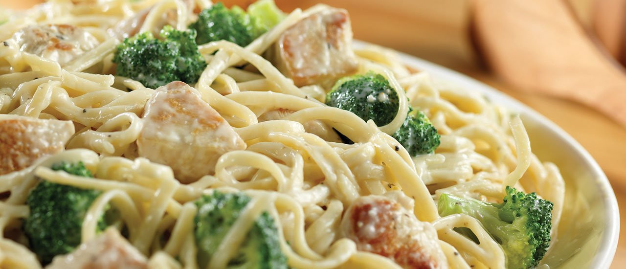 Chicken Broccoli Alfredo  Chicken & Broccoli Alfredo for a Crowd