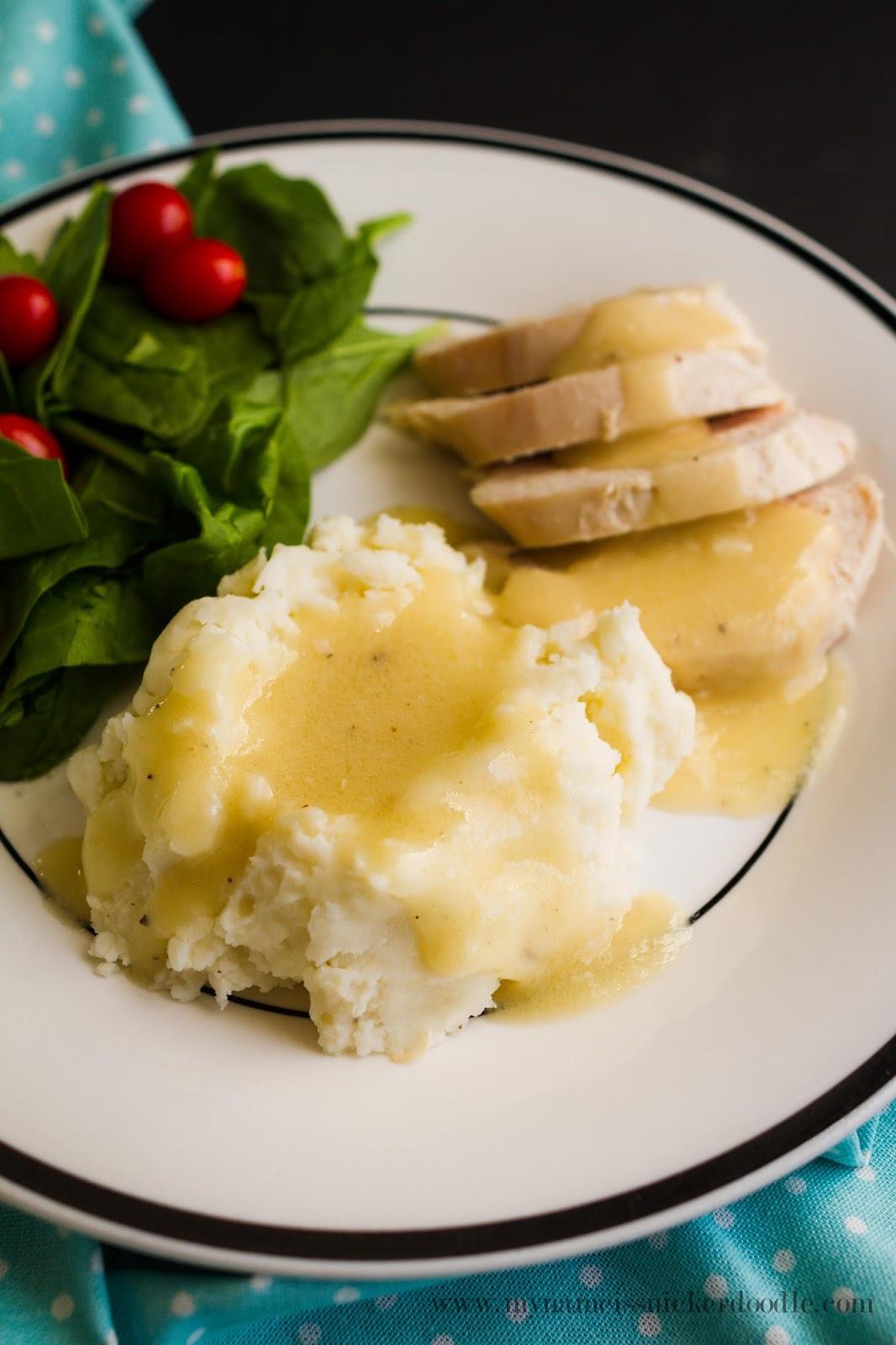 Chicken Gravy From Scratch  How To Make Turkey Chicken Gravy My Name Is Snickerdoodle