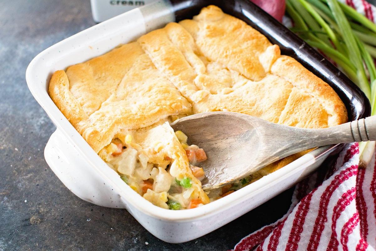 Chicken Pot Pie Casserole Recipe  Easy Chicken Pot Pie Casserole Julie s Eats & Treats