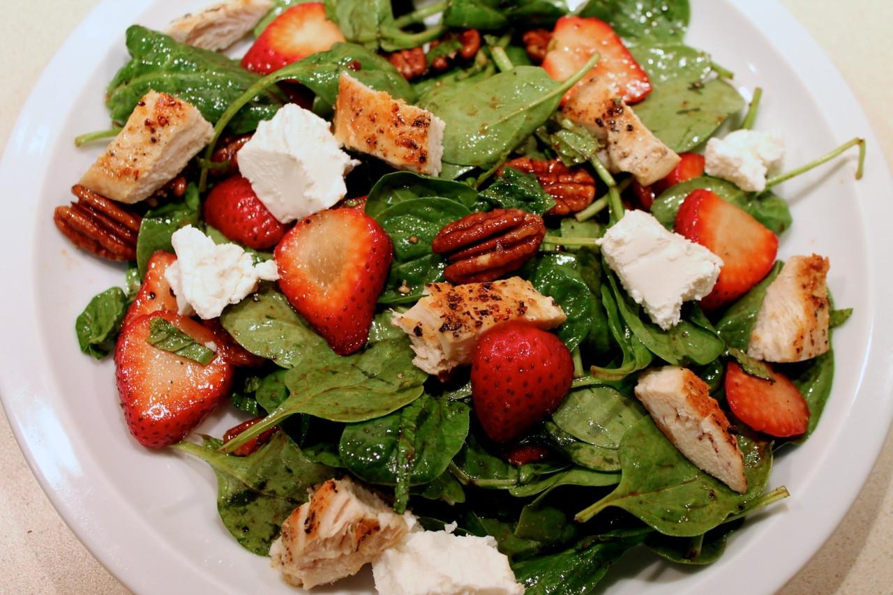 Chicken Spinach Salad  Cook In Dine Out Chicken Strawberry Spinach Salad