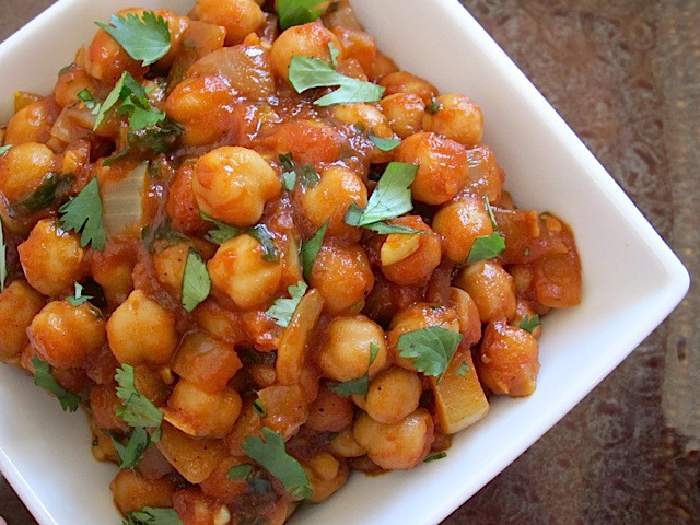 Chickpea Recipes Indian  Quick Curried Chickpeas Bud Bytes