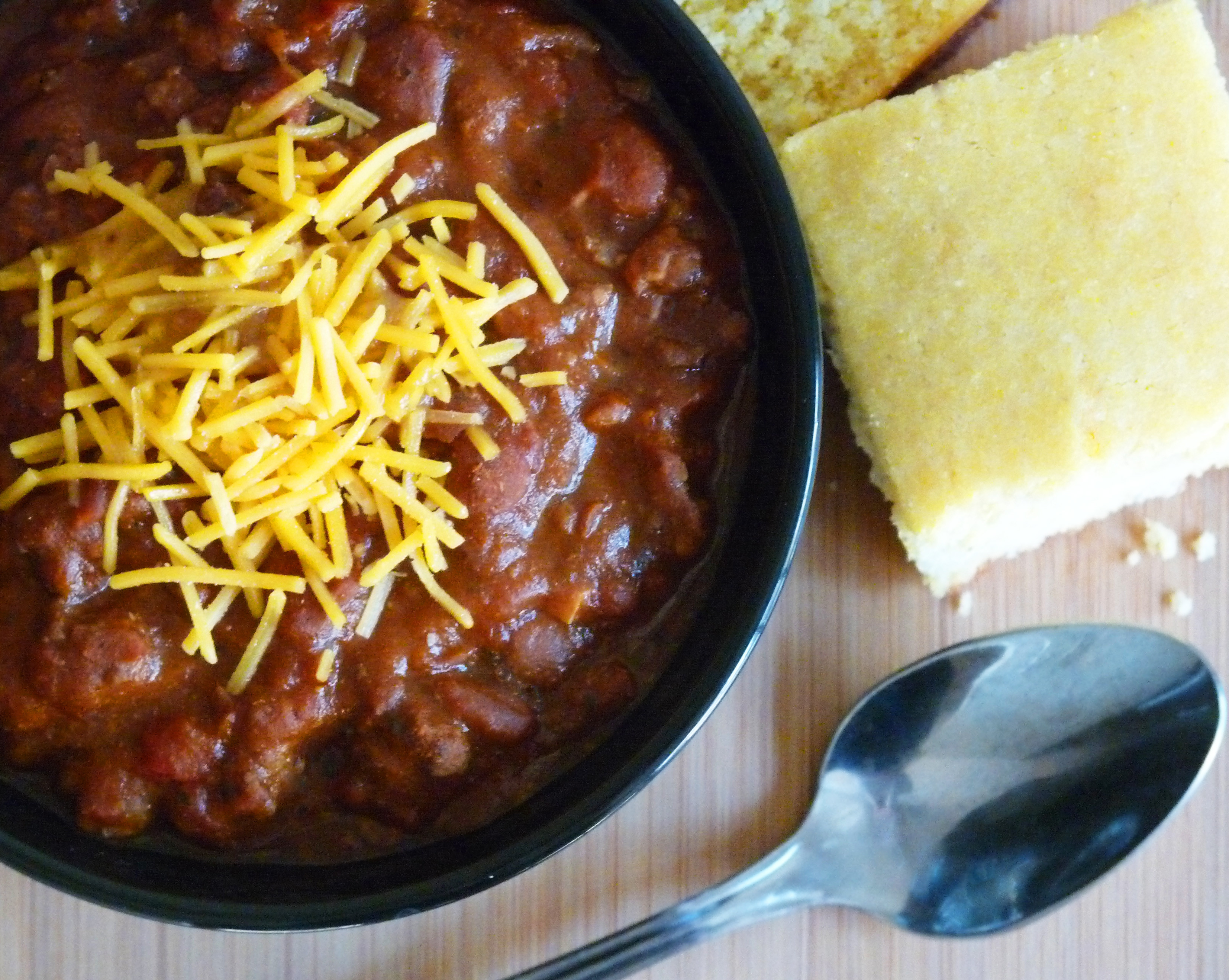Chili And Cornbread  Spicy Homemade Chili with Honey Buttermilk Cornbread