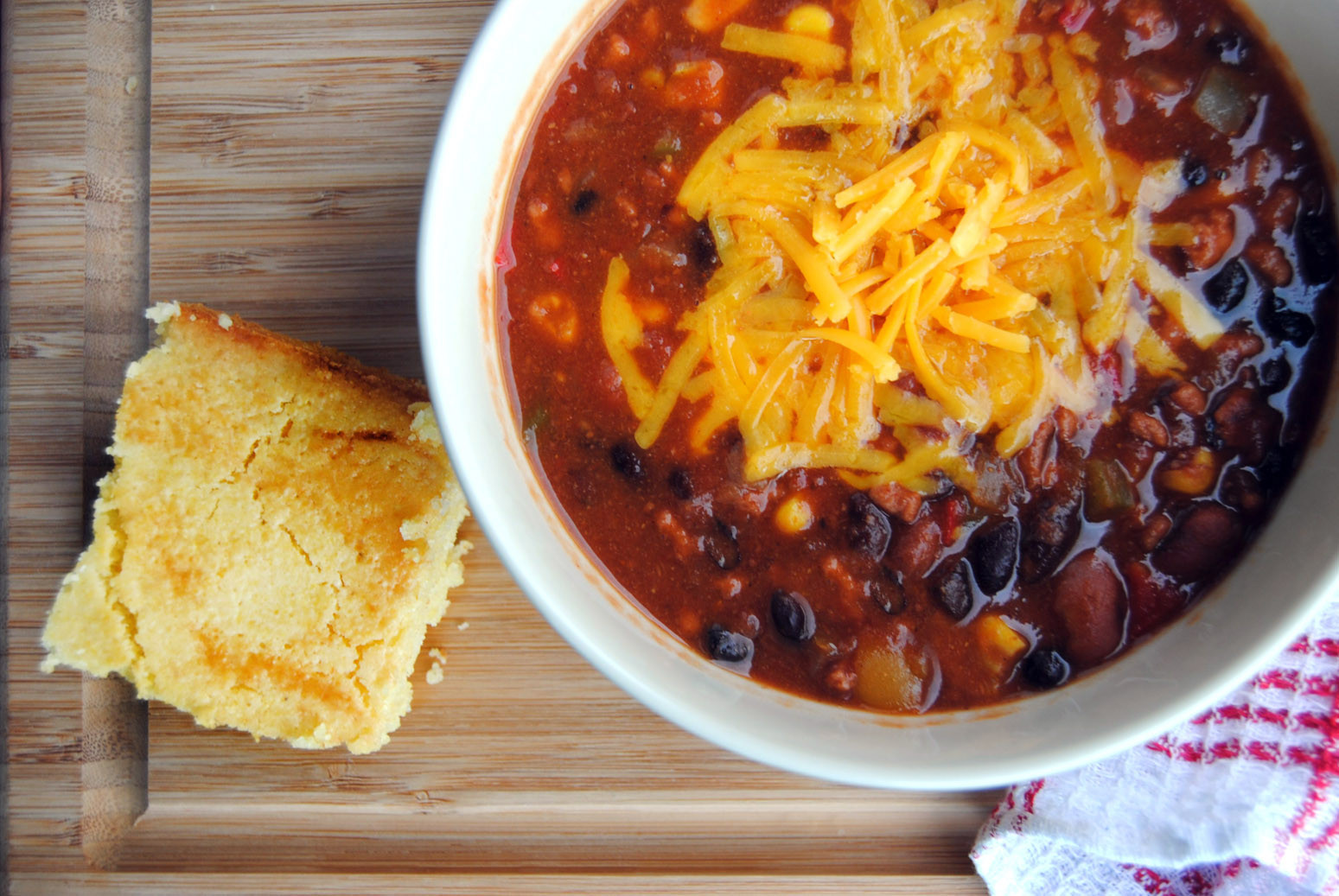 Chili And Cornbread  Turkey Chili and Buttermilk Cornbread