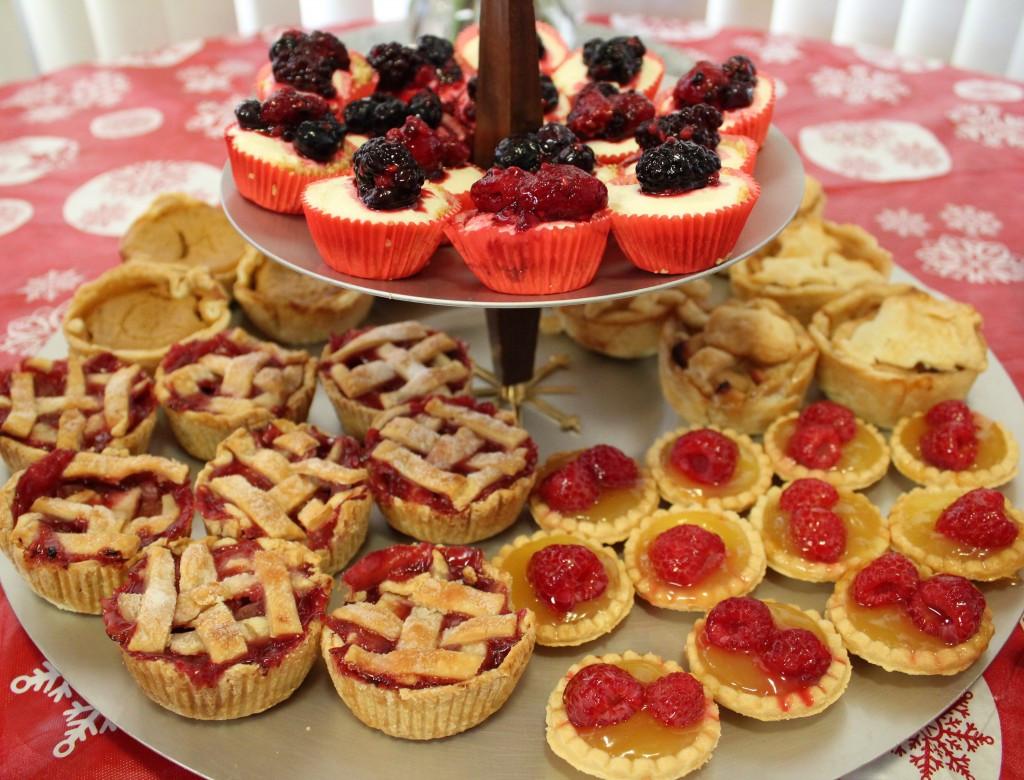 Christmas Recipes Desserts  Mini Christmas Desserts Bar