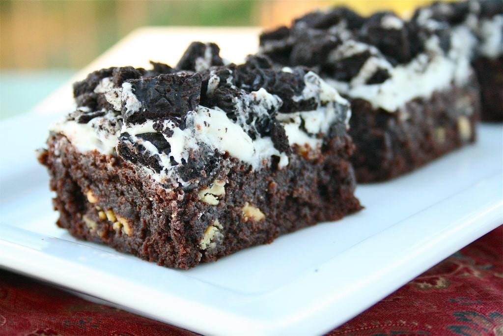Cookies And Cream Brownies  Cookies n Cream Brownie Bars
