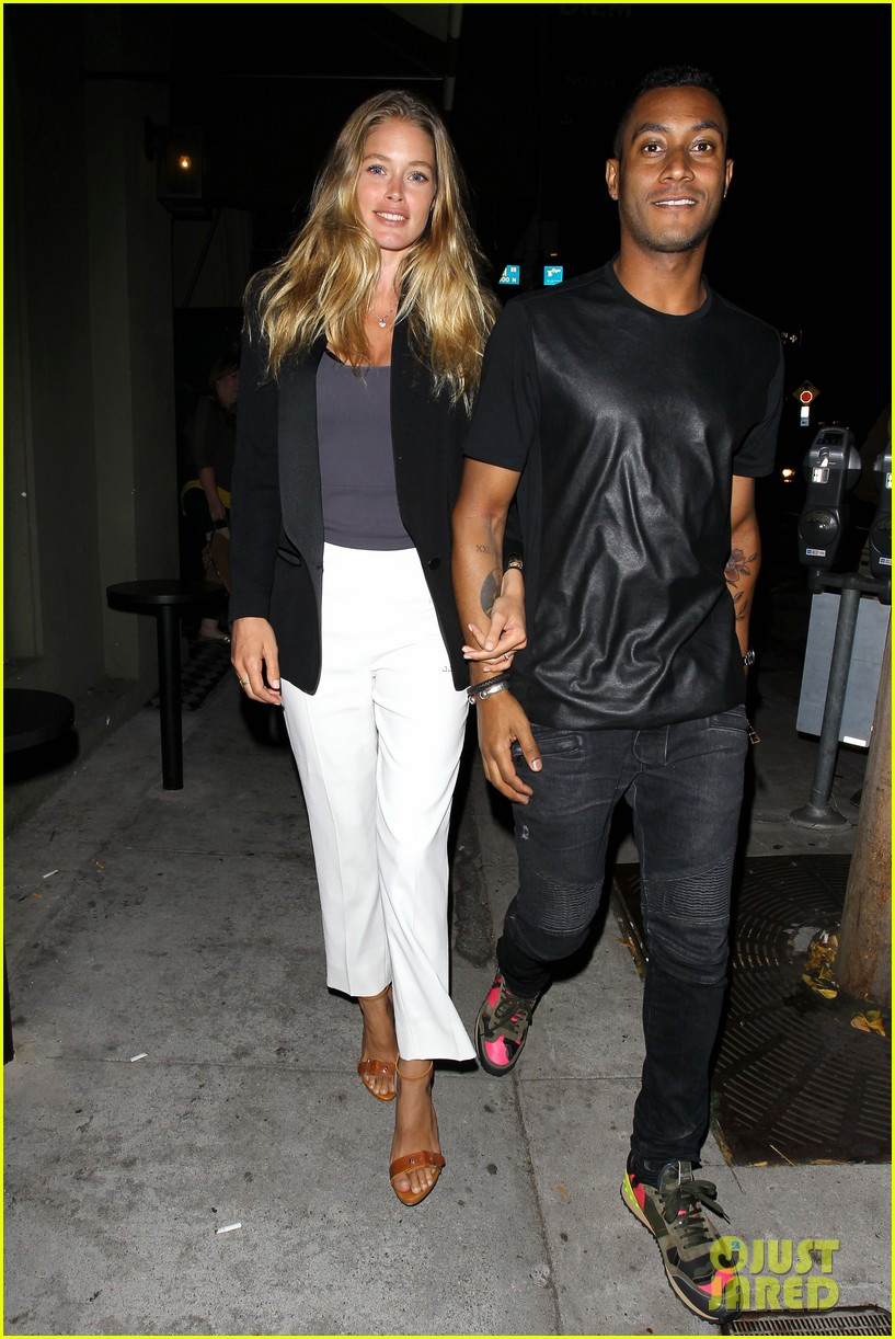 Craigs Thanksgiving Dinner  Doutzen Kroes Holds to Husband Sunnery James For Craig s