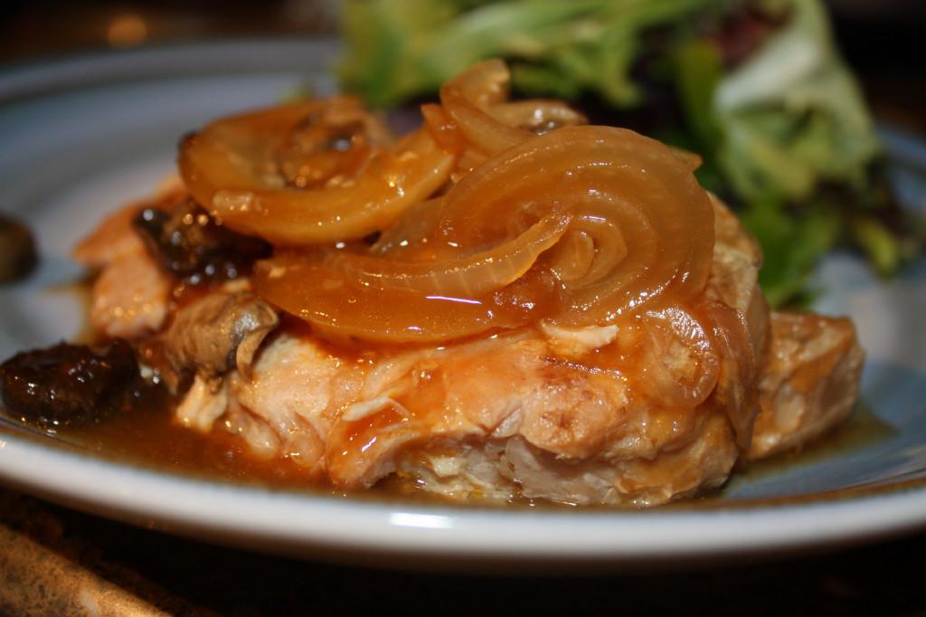 Crock Pot Pork Chops With Mushroom Soup  Crock pot Pork Chops and Mushrooms