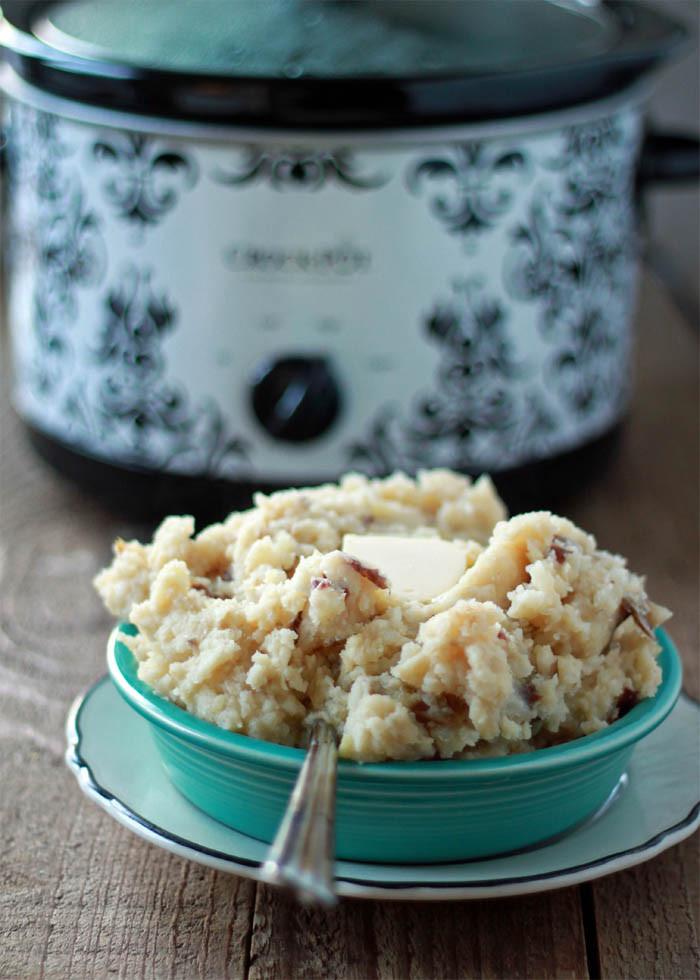 Crockpot Mashed Potatoes  Unbelievably Easy Crock Pot Garlic Mashed Potatoes