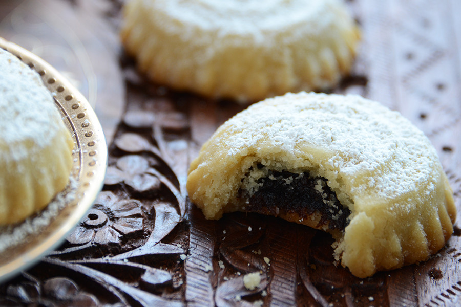 Date Filled Cookies  Middle Eastern Date Filled Cookies Ma'amoul
