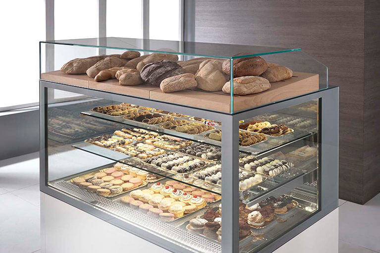 Dessert Display Case  Refrigerated Pastry Display Cases for Deli Sushi Meat