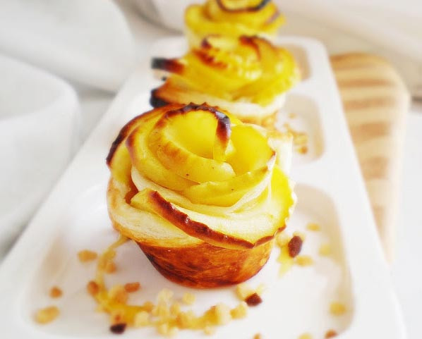 Dessert With Apples  Easy apple desserts How to make apple roses for a pie
