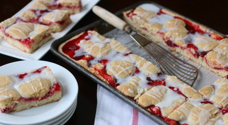 Desserts For Picnic  50 Desserts for Picnics Potlucks & Memorial Day Hoosier