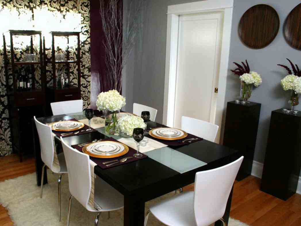 Dinner Table Decorating  How to Make Dining Table Décor for Round Table Shape