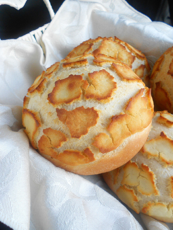 Dutch Crunch Bread Recipe  Daring Bakers March 2012 Challenge Lions Tigers and