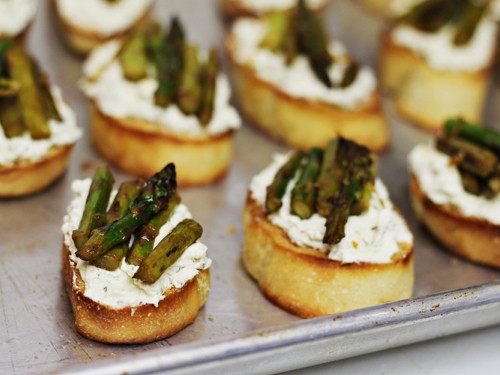 Easter Dinner Appetizers  Easter Holiday Appetizer Herbed Cheese Asparagus Crostini