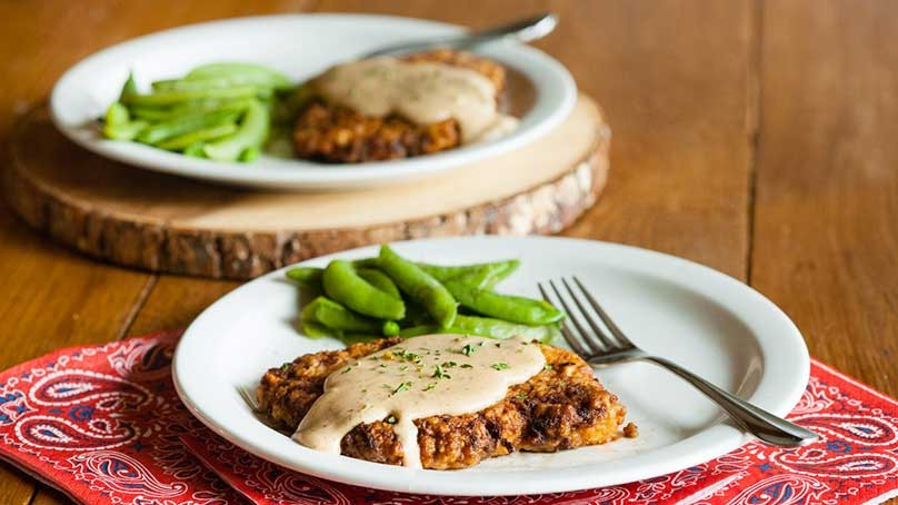 Easy Chicken Fried Steak  Easy Chicken Fried Steak with Country Gravy