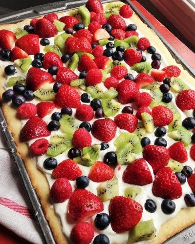 Easy Fruit Desserts  1000 ideas about Easy Fruit Pizza on Pinterest