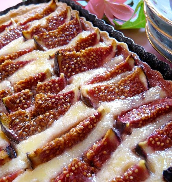 Fig Dessert Recipes  Delicious Fig Pie with Almond Cream recipe — Eatwell101